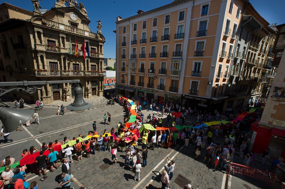 Acto de Gure Esku Dago en la plaza Ayuntamiento de Iruñea. Foto: Gure Esku Dago