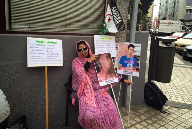 Activistas y políticos toman el relevo en la huelga de hambre de Takbar Haddi