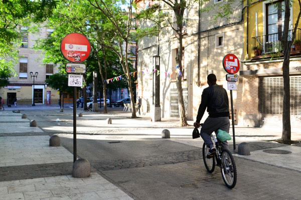 El Ayuntamiento de Zaragoza recurrirá el auto que impide la circulación de bicis por calles de acceso restringido