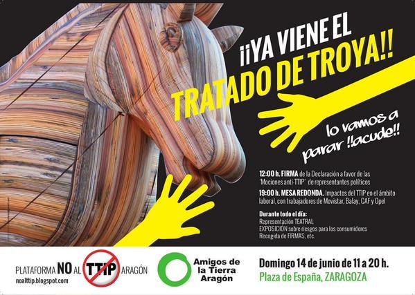 Un Caballo de Troya de 8 metros visita Zaragoza para denunciar el TTIP