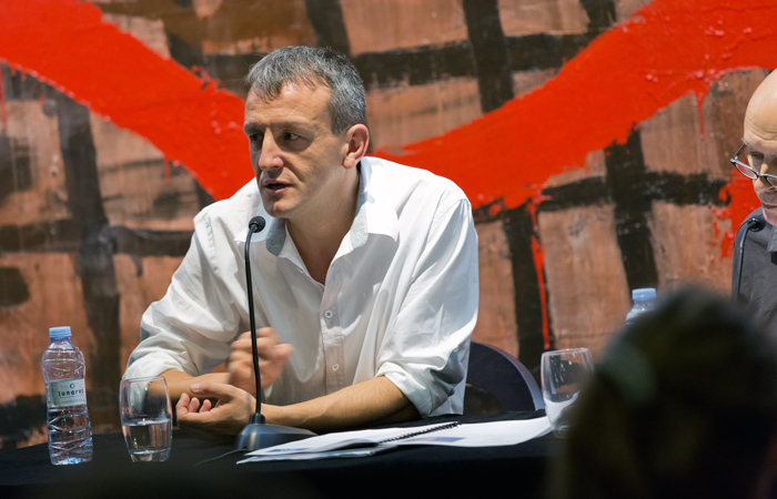 Fernando Rivarés presenta este domingo 'Declive', su segunda novela