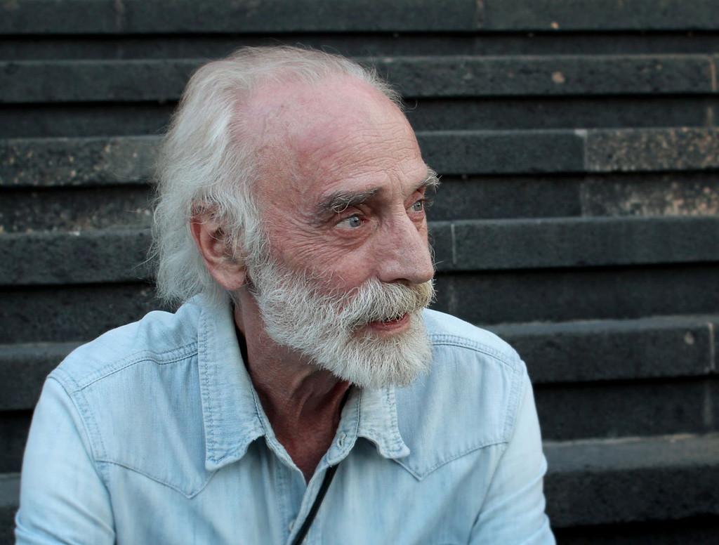Fallece a los 71 años el cantautor Javier Krahe