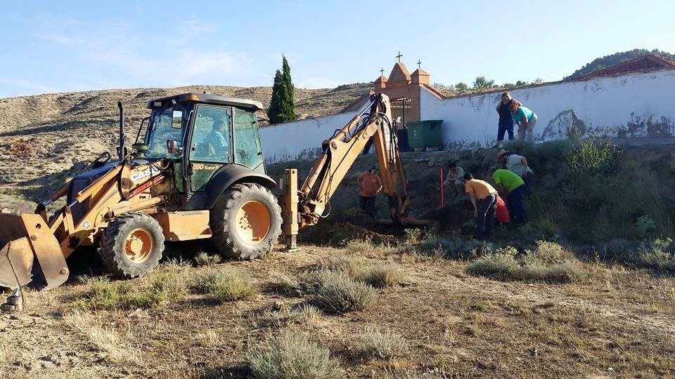 Primer día de exhumación sin éxito en Velilla del Jiloca