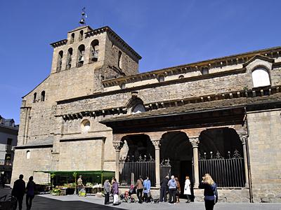 Podemos exige al Gobierno que tome medidas para que diversas catedrales vuelvan a ser patrimonio aragonés