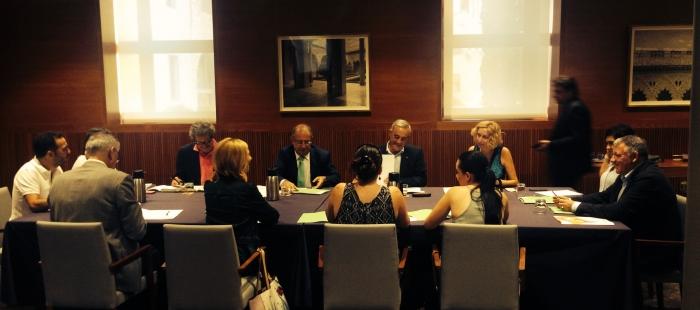 El consejero Gimeno da cuenta a los Grupos Parlamentarios de la última reunión del CPFF