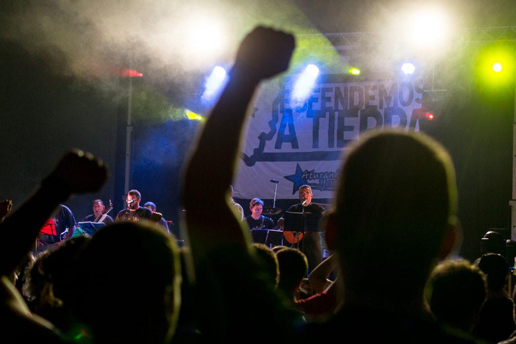 Centenares de personas reivindican en el Festival Esfendemos a Tierra la lucha contra el recrecimiento de Yesa