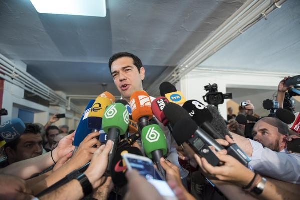 Tsipras dimite y anuncia elecciones anticipadas
