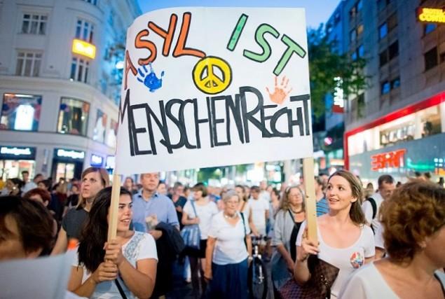 20.000 personas se manifiestan en Austria a favor del asilo de los refugiados