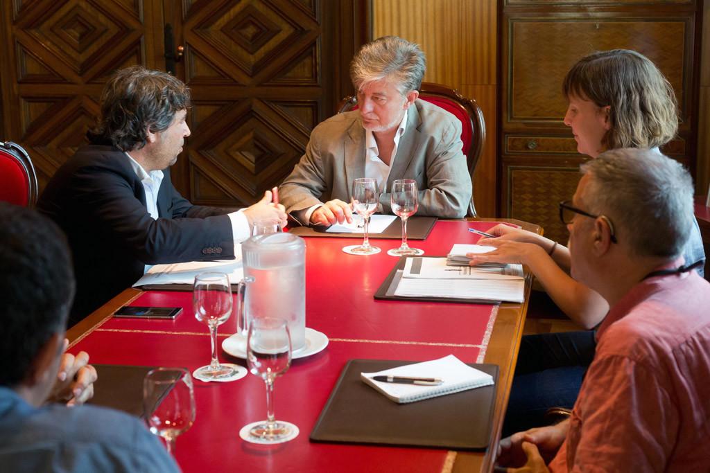 Zaragoza trabajará por una gestión pública, transparente y participativa del agua