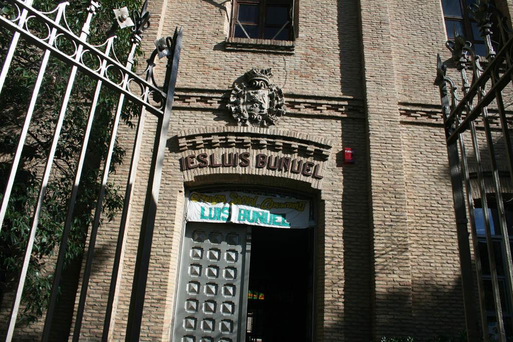 Mercadillo reivindicativo en el Centro Social Comunitario Luis Buñuel