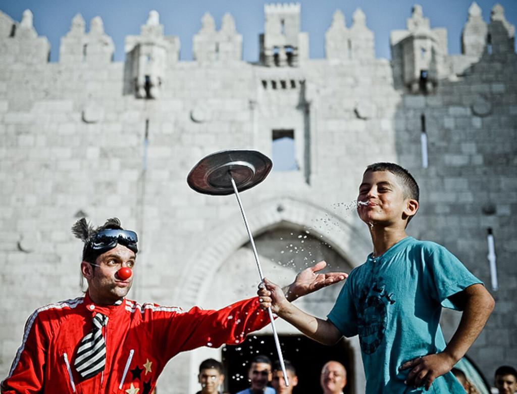 Pallasos en Rebeldía lleva música y risas a Palestina