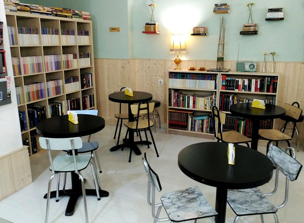 Cabalá Café nos propone relajarnos entre buena literatura y sabrosa gastronomía