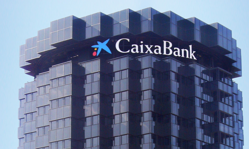 En marcha una aplicación para la reclamación conjunta de las comisiones de CaixaBank