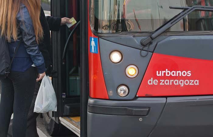 Trabajadores y trabajadoras y empresa de buses urbanos alcanzan un acuerdo y se disipa la huelga en las Fiestas del Pilar