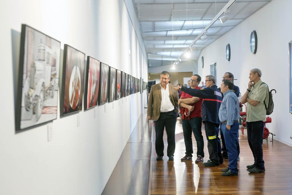 Una exposición recoge el día a día del Cuerpo de Bomberos de Zaragoza