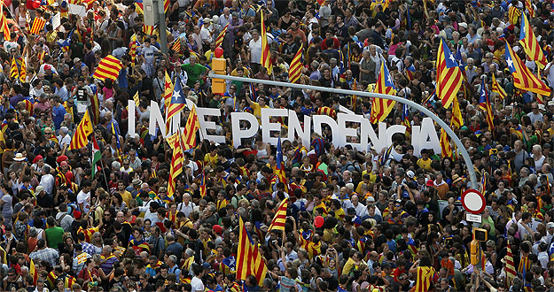 Empieza la campaña del referéndum con una fiesta y algunos incidentes