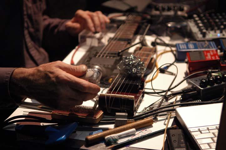 Las tendencias más actuales del arte sonoro performativo se dan cita en Etopia