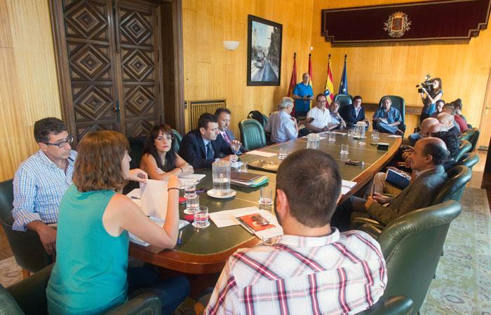 Constituida la Mesa del Transporte Público de Zaragoza para estudiar las principales deficiencias en la red y realizar propuestas de mejora