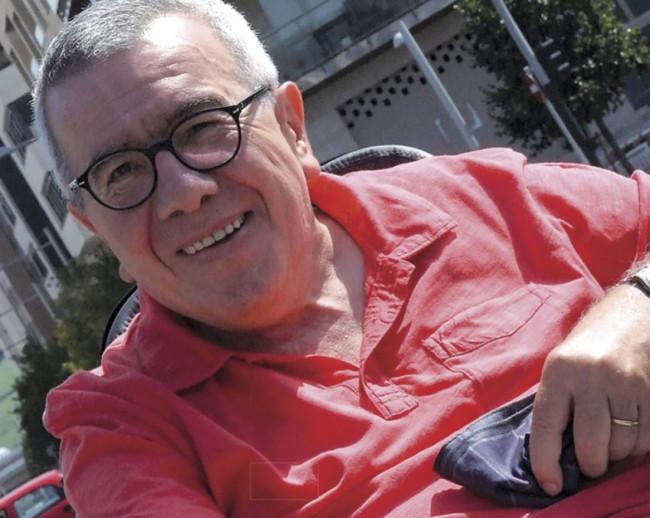 'Pepe Rei aurrera', un libro que homenajea al veterano periodista y reivindica el periodismo de investigación y denuncia social