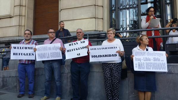 Zaragoza se concentra en solidaridad con las y los refugiados sirios
