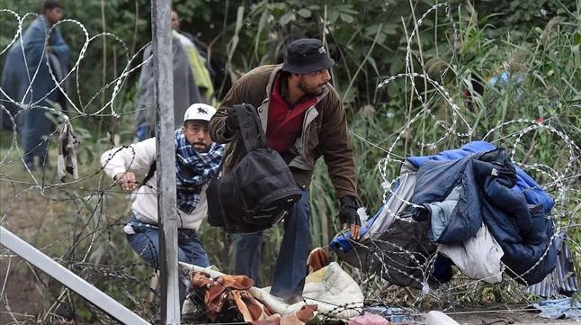 Hungría utilizará al Ejército para reprimir la llegada de personas migrantes