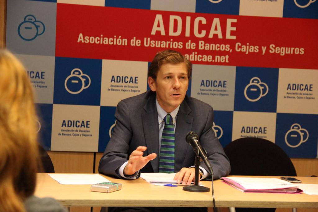 """ADICAE interpone una demanda judicial colectiva frente a CaixaBank por """"práctica abusiva"""""""