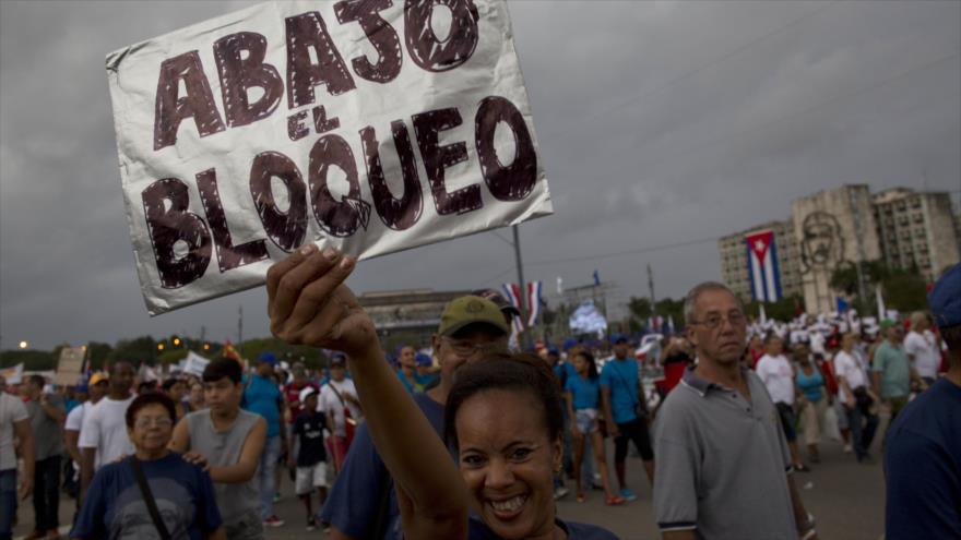 """Federica Mogherini califica de """"obsoleto"""" e """"ilegal"""" el bloqueo comercial de EEUU a Cuba"""