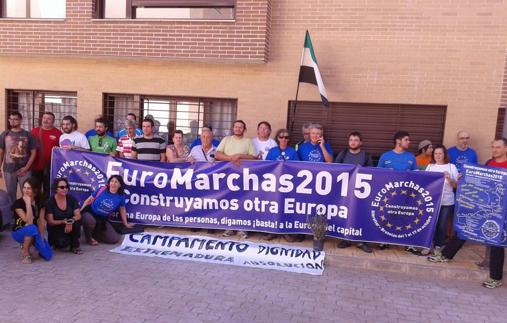 Acción de protesta de las Euromarchas en la multinacional alemana ALDI de Mérida