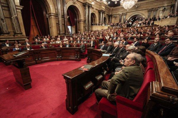 El Parlament de Catalunya aprueba una reforma para tramitar las leyes de desconexión