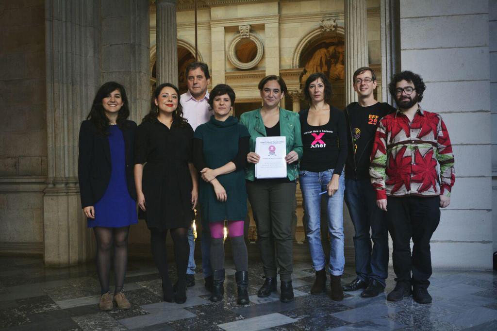 Una delegación del Free Culture Forum es recibida por la alcaldesa de Barcelona Ada Colau