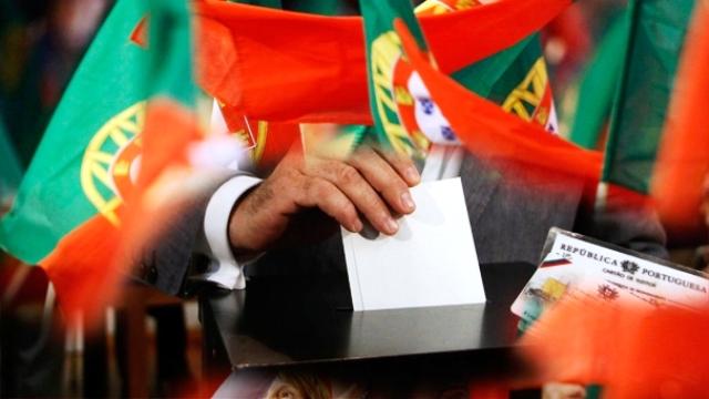 Partido Comunista, Partido Socialista y Bloco de Esquerda anuncian una alianza que les permitiría gobernar en Portugal