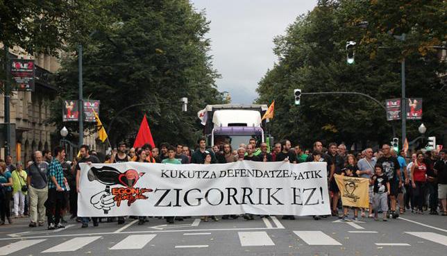 Nueve meses de cárcel y 84.000 euros para los 19 detenidos tras el desalojo de Kukutza III