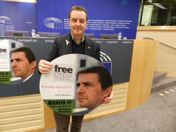 24 miembros del Parlamento Europeo se suman a la declaración en favor de la liberación de Arnaldo Otegi