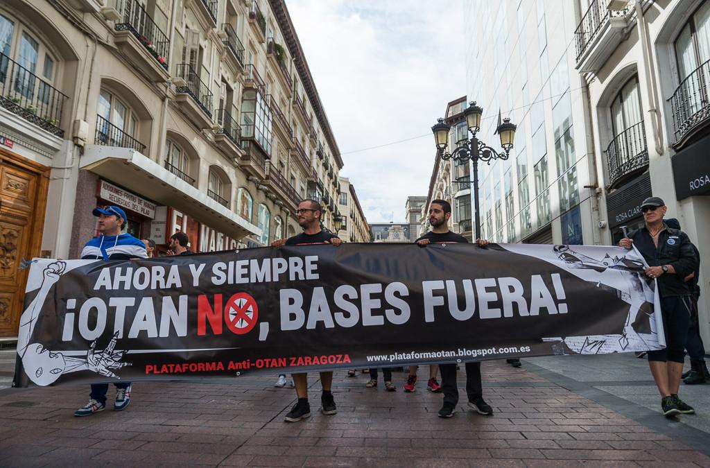 """Zaragoza grita: """"OTAN no, bases fuera"""""""