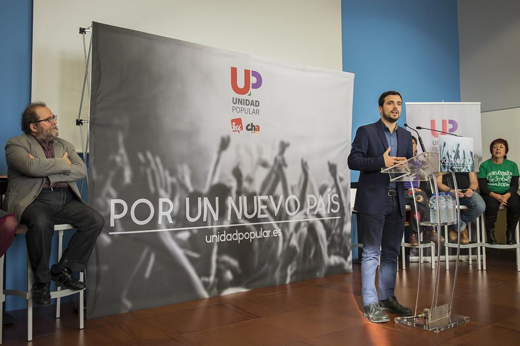 """Alberto Garzón hace una llamada en Zaragoza para """"derrotar a la derecha"""""""