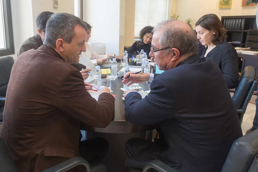 Rivarés no renuncia a la Ley de Capitalidad en su reunión con Fernando Gimeno