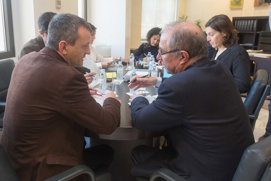 Rivarés sigue esperando la respuesta de Lambán sobre el ICA