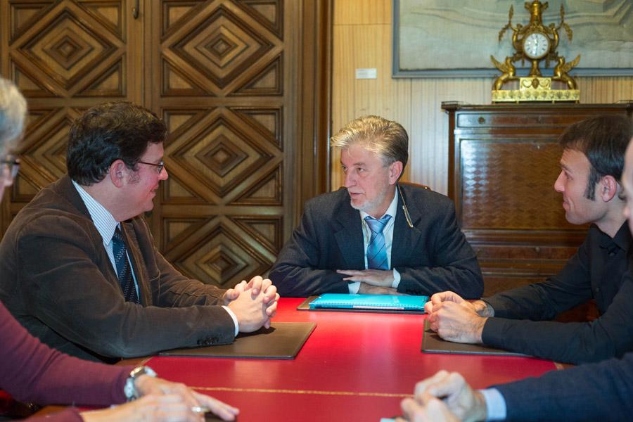 El Ayuntamiento de Zaragoza se reúne con el representante de World Monuments Fund y con la propiedad de Averly