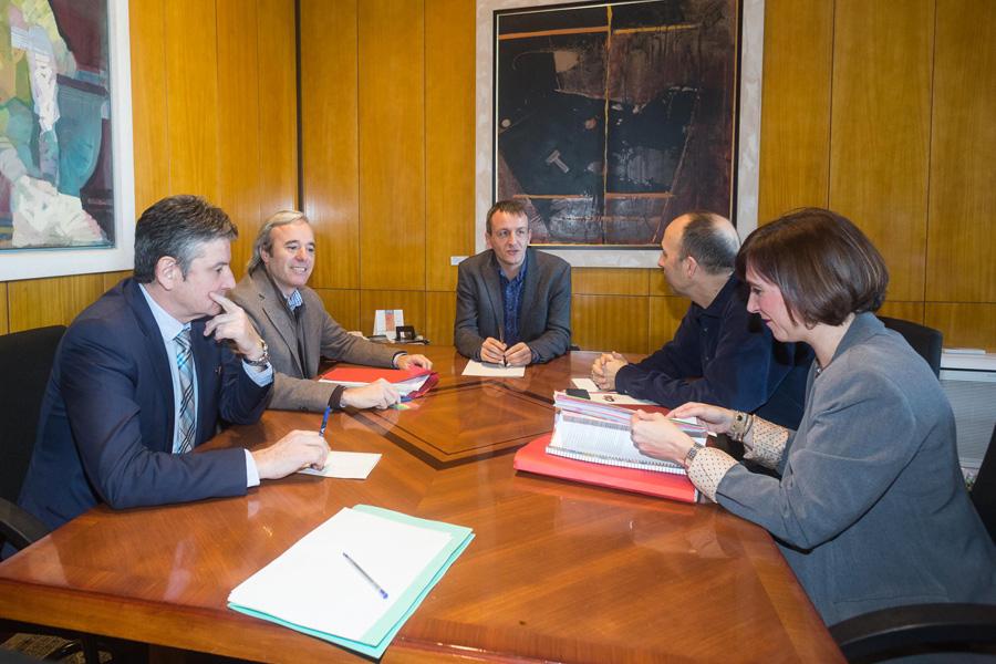 Acuerdo unánime en el Ayuntamiento para fijar la financiación de Zaragoza en 50 millones de euros anuales en la Ley de Capitalidad