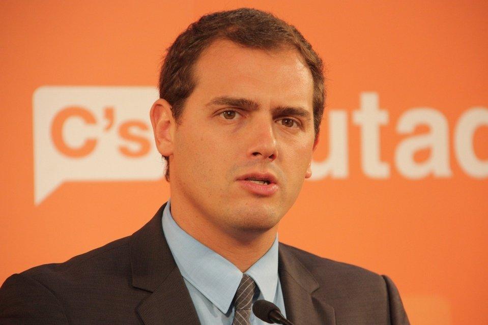 """Rajoy y Rivera se reúnen para buscar """"fórmulas"""" que """"permitan la gobernabilidad"""""""