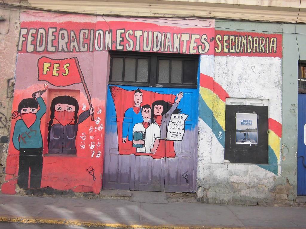 En Bolivia el movimiento estudiantil en secundaria se organiza a través de la FES