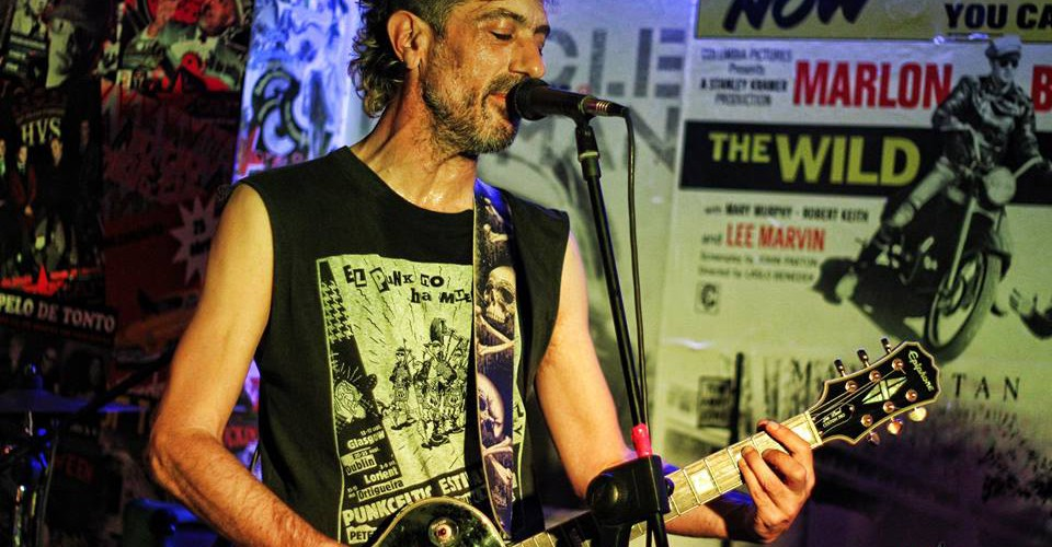Manolo Kabezabolo en solitario en el Festival Mundo Idiota de Madrid