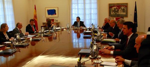 El Gobierno español presenta el recurso en el Constitucional contra la declaración independentista catalana