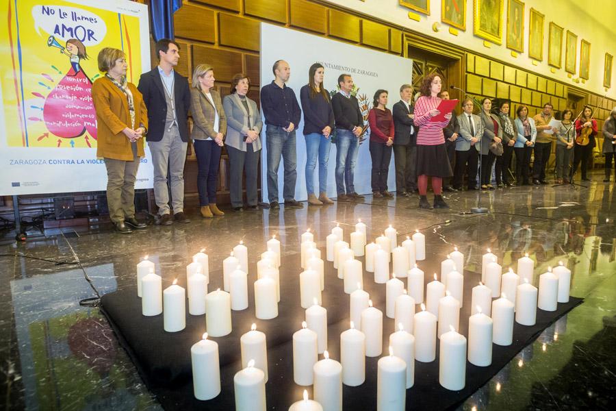 El Ayuntamiento de Zaragoza homenajea a las víctimas de la violencia machista
