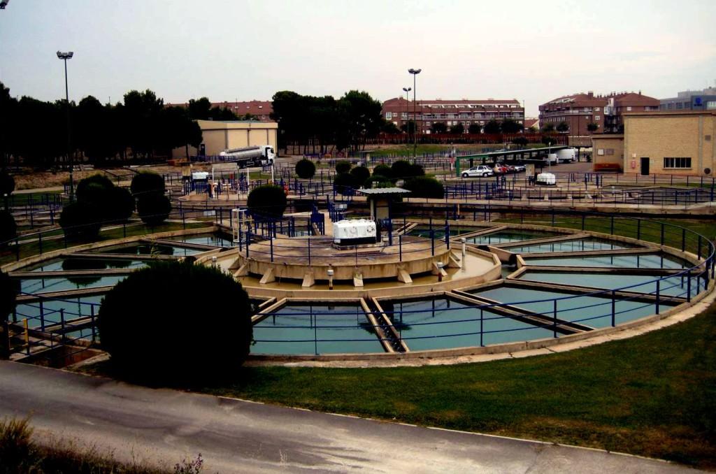 El Gobierno de Zaragoza estudia llevar a los tribunales el Impuesto de Contaminación del Agua