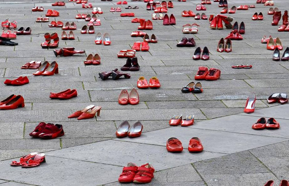 Zaragoza se llenará de zapatos rojos contra la violencia machista