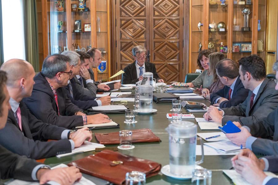 El Ayuntamiento abonará su parte de la liquidación de la subvención de capital del Tranvía antes de fin de año, pero no la que correspondería al Gobierno de Aragón