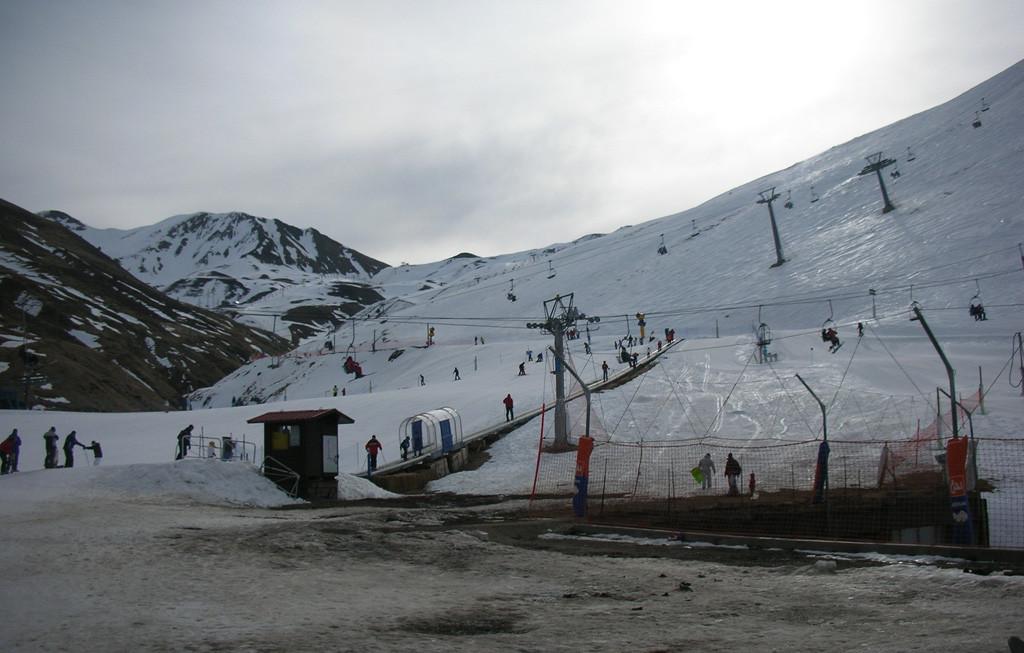 Cuatro personas rescatadas en el Pirineo oscense tras registrarse tres aludes