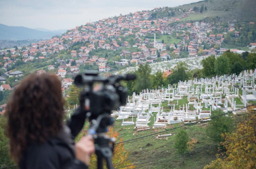 """Arapaz estrena el documental """"Refugiados, el eco de los Balcanes"""""""