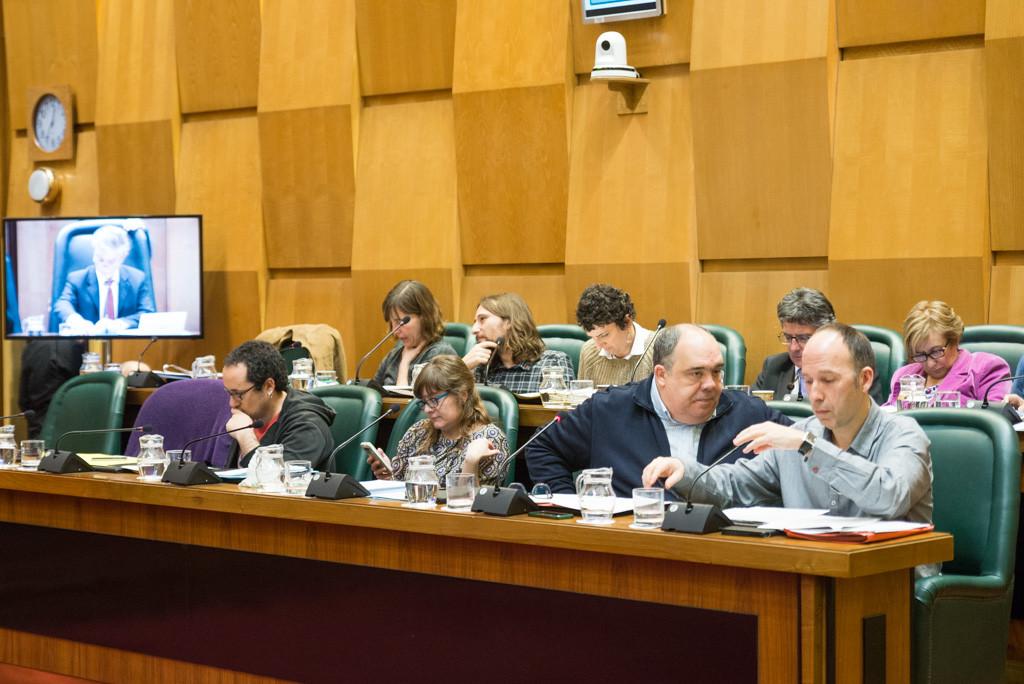 El Pleno de Zaragoza aprueba eximir de la aplicación de la regla de gasto de Montoro a entidades locales con las cuentas saneadas